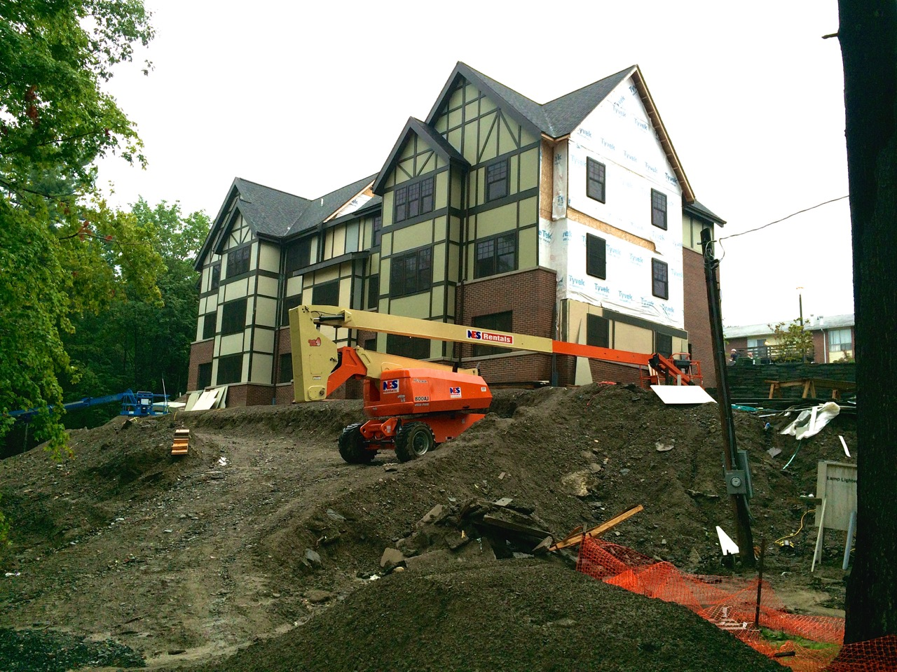 Thurston-Ave-Apartments_08201415